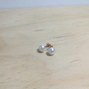 10k pearl stud earrings
